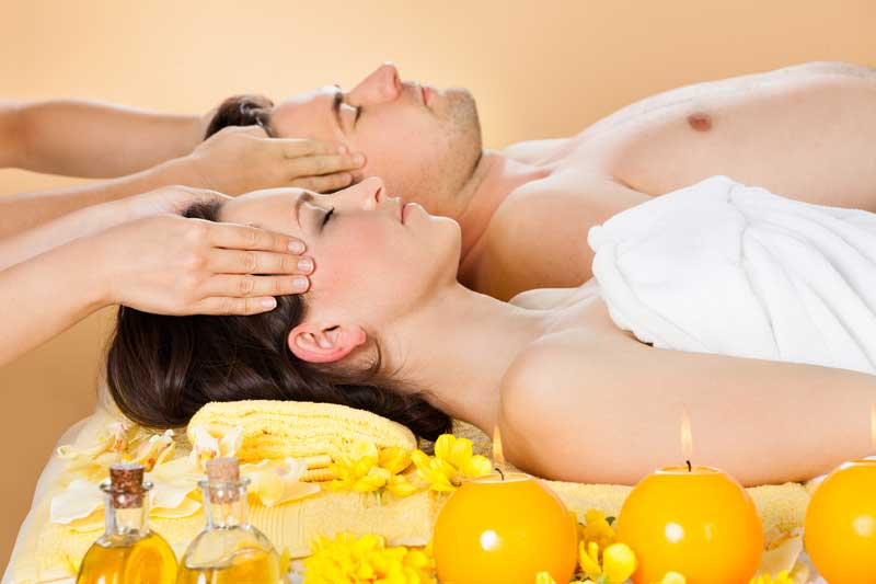 (Hydromassage + sauna + hammam + 2 massage with oil or cream for 45 minutes) / Price: 120 €