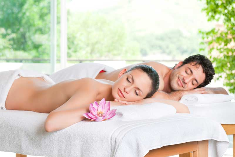 (Hydromassage + 2 massages on your choice for 60 minutes) / Price: 120 €