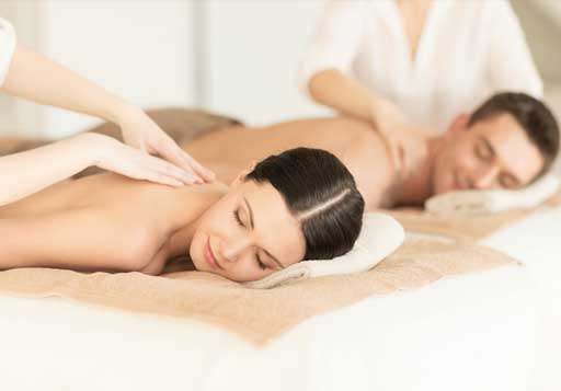 Hydromassage + 2 massages with oil or cream (30 minutes) / Price: 80 €
