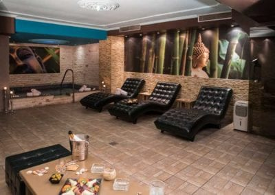 Massage & Spa Services Spa Prive